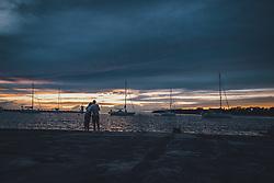 THEMENBILD - Touristen geniessen den Sonnenuntergang nach einem Gewitter, aufgenommen am 03. Juli 2020 in Novigrad, Kroatien // Tourists enjoy the sunset after a thunderstorm in Novigrad, Croatia on 2020/07/03. EXPA Pictures © 2020, PhotoCredit: EXPA/ JFK