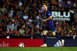 October 8, 2018 - Valencia, Valencia, Spain - Ivan Rakitic controls the ball during the week 8 of La Liga match between Valencia CF and FC Barcelona at Mestalla Stadium in Valencia, Spain on October 7, 2018. (Credit Image: © Jose Breton/NurPhoto/ZUMA Press)