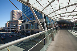 North America, United States, Washington, Bellevue, pedestrian skybridge between Bellevue Square and Lincoln Square