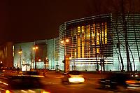 28 NOV 2002, BERLIN/GERMANY:<br /> Komplex der Botschaften der Nordischen Staaten Daenemark, Finnland, Island, Norwegen und  Schweden, bei Nacht von der Kreuzung Tiergartenstr. Klingelhoeferstr aus gesehen<br /> IMAGE: 20021128-02-002<br /> KEYWORDS: Botschaft, embassy