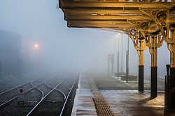 © London News Pictures. 21/02/2017. Aberystwyth, UK.<br /> Thick fog and mist engulfs  Aberystwyth railway station  in the early morning on damp and mild February day. Photo credit: Keith Morris/LNP