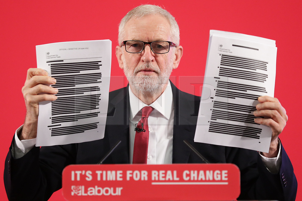 © Licensed to London News Pictures. 27/11/2019. London, UK. Leader of the Labour Party Jeremy Corbyn delivers a 'major statement' on the NHS at an event in Westminster. Photo credit: Rob Pinney/LNP
