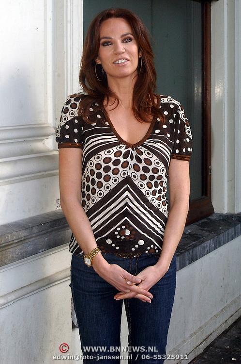 NLD/Amsterdam/20070308 - Persviewing Ex Wives Club, Rosalie van Breemen