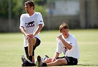 Fotball<br /> Frankrike 2004/05<br /> Treningskamp<br /> Rennes v Angers<br /> 10. juli 2004<br /> Foto: Digitalsport<br /> NORWAY ONLY<br /> ANDREAS ISAKSSON / KIM KALLSTROM (REN)