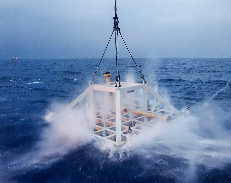 A SUBSEA MODULE BEING LIFTED INTO THE NORTH SEA<br /> <br /> PIC ROSS JOHNSTON