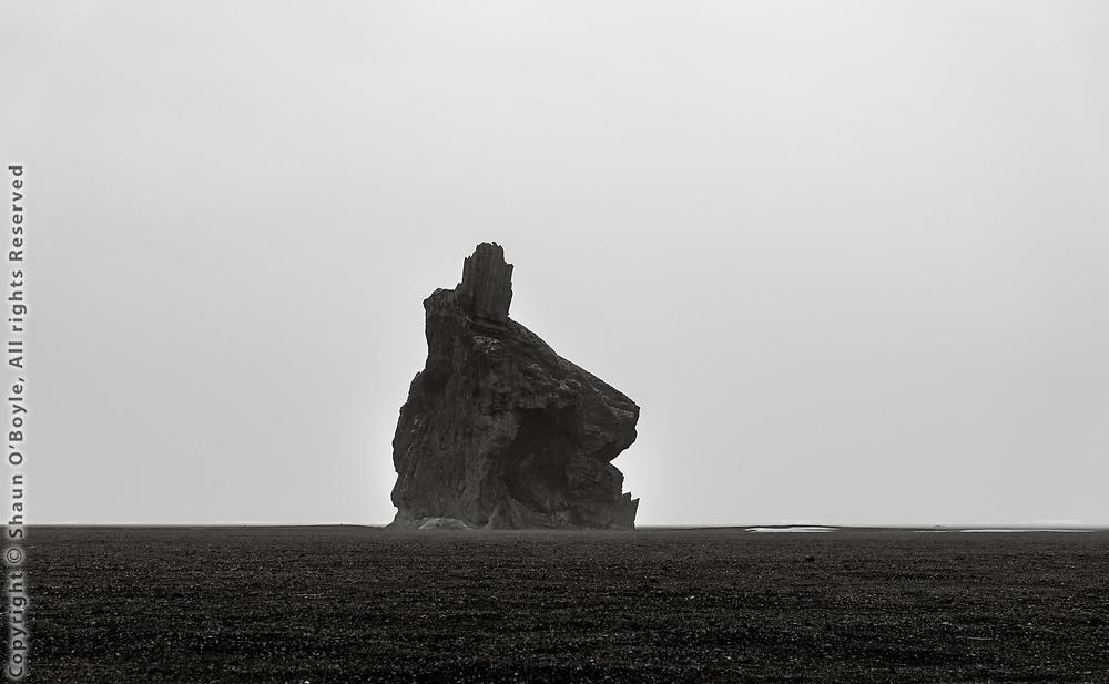 Arnardrangur at Hjörleifshöfði