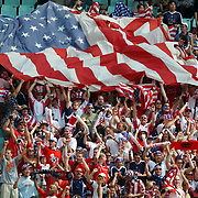 USA's fans celebrate USA's first goal