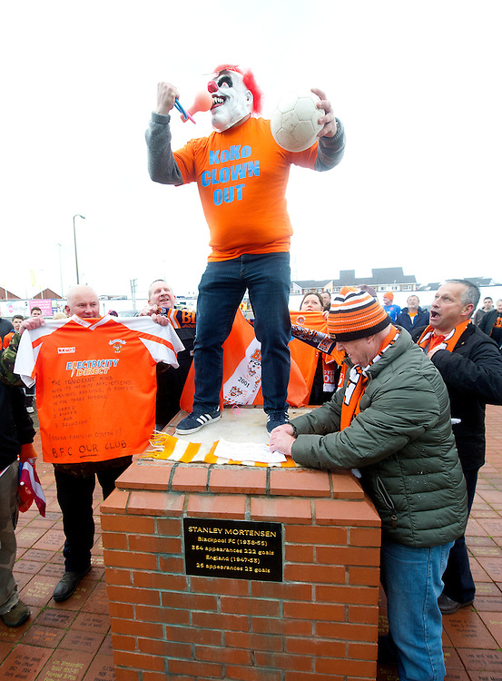 Blackpool fans protest at the removal of the statue of Blackpool legend Stanley Mortensen, by the club.<br /> <br /> Photographer Stephen White/CameraSport<br /> <br /> Football - The Football League Sky Bet Championship - Blackpool v Huddersfield Town - Saturday 2nd May 2015 - Bloomfield Road - Blackpool<br /> <br /> © CameraSport - 43 Linden Ave. Countesthorpe. Leicester. England. LE8 5PG - Tel: +44 (0) 116 277 4147 - admin@camerasport.com - www.camerasport.com