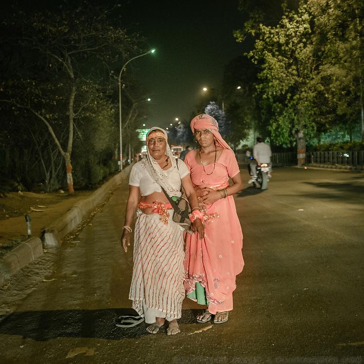 Pilgrims walking to Delhi.<br /> Uttar Pradesh Province.
