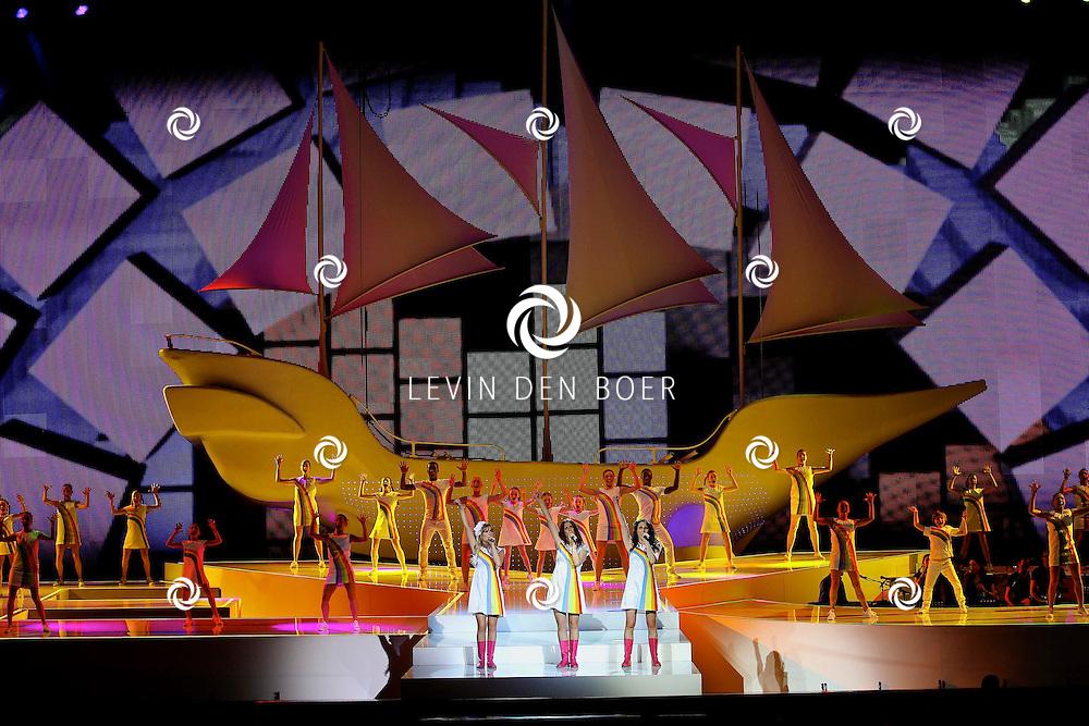 ROTTERDAM - In de Ahoy is weer een K3 concert gehouden en wel de eerste van de reeks uit 7 concerten door de meidengroep.  Met op de foto de meiden Kristel Verbeke, Josje Huisman en Karen Damen. FOTO LEVIN DEN BOER - PERSFOTO.NU