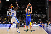 DESCRIZIONE : Eurolega Euroleague 2015/16 Group D Dinamo Banco di Sardegna Sassari - Maccabi Fox Tel Aviv<br /> GIOCATORE : Guy Pnini<br /> CATEGORIA : Passaggio<br /> SQUADRA : Maccabi FOX Tel Aviv<br /> EVENTO : Eurolega Euroleague 2015/2016<br /> GARA : Dinamo Banco di Sardegna Sassari - Maccabi Fox Tel Aviv<br /> DATA : 03/12/2015<br /> SPORT : Pallacanestro <br /> AUTORE : Agenzia Ciamillo-Castoria/C.Atzori