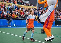 UTRECHT -  Fan of the Match, Guus, met Stockey.    FIH Pro League, Nederland-Argentinie (2-2) Arg wint shoot outs. COPYRIGHT KOEN SUYK