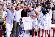 DESCRIZIONE : Bologna Serie B Playoff Girone B Finale Gara 1 2014-15 Eternedile Bologna Contadi Castaldi Montichiari<br /> GIOCATORE : Andrea Iannilli <br /> CATEGORIA : esultanza tifosi postgame<br /> SQUADRA : Eternedile Bologna<br /> EVENTO : Campionato Serie B 2014-15<br /> GARA : Eternedile Bologna Contadi Castaldi Montichiari<br /> DATA : 28/05/2015<br /> SPORT : Pallacanestro <br /> AUTORE : Agenzia Ciamillo-Castoria/M.Marchi<br /> Galleria : Serie B 2014-2015 <br /> Fotonotizia : Bologna Serie B Playoff Girone B Finale Gara 1 2014-15 Eternedile Bologna Contadi Castaldi Montichiari