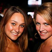 NLD/Amsterdam/201001212 - Lancering Cosmopolitan goes XXXL, Melody Klaver en Liza Sips
