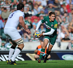 Leicester Tigers fly half Toby Flood looks to pass the ball - Photo mandatory by-line: Patrick Khachfe/JMP - Tel: Mobile: 07966 386802 - 21/09/2013 - SPORT - RUGBY UNION - Welford Road Stadium - Leicester Tigers v Newcastle Falcons - Aviva Premiership.