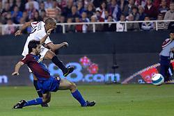 03-03-2007 VOETBAL: SEVILLA FC - BARCELONA: SEVILLA  <br /> Sevilla wint de topper met Barcelona met 2-1 / Frederic Kanoute en Oleguer<br /> ©2006-WWW.FOTOHOOGENDOORN.NL