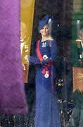 De Japanse keizer Naruhito heeft officieel de troon aanvaard en de belofte afgelegd dat hij zijn plicht als symbool van de staat zal vervullen. De 59-jarige Naruhito deed dat in een eeuwenoude ceremonie in de belangrijkste zaal van het keizerlijke paleis in Tokio in aanwezigheid van staatshoofden en gasten uit meer dan 180 landen.<br /> <br /> The Japanese emperor Naruhito has officially accepted the throne and made the promise that he will fulfill his duty as a symbol of the state. The 59-year-old Naruhito did that in an ancient ceremony in the main hall of the Imperial Palace in Tokyo in the presence of heads of state and guests from more than 180 countries.<br /> <br /> Op de foto / On the photo:  Koning Carl Gustaf van Zweden en Prinses Victoria  / King Carl Gustaf of Sweden and Princess Victoria
