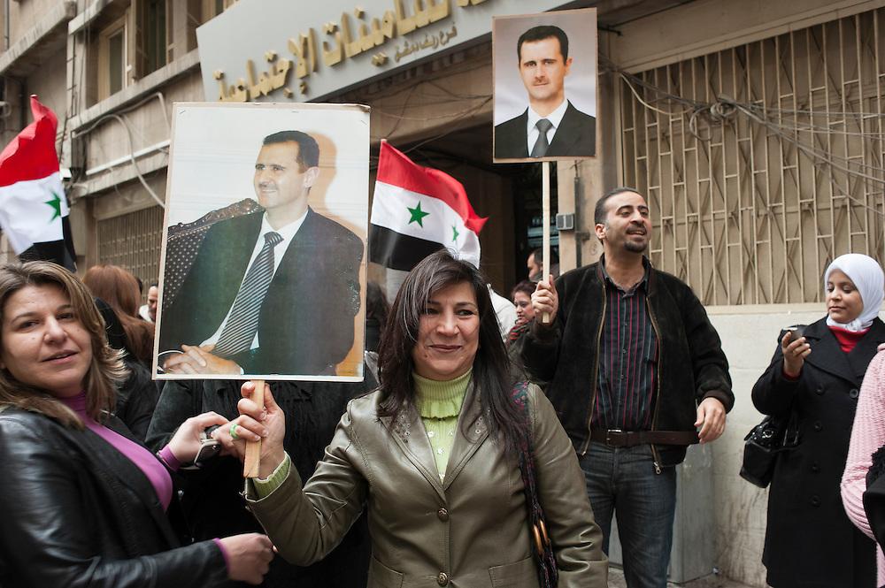 January 11, 2012, Damascus, Syria. Demonstrators in favor of Bachar el-Assad in the old city of Damascus during the civil war. <br /> <br /> 11 janvier 2012, Damas, Syrie. Manifestants en faveur de Bachar el-Assad dans la vieille ville de Damas pendant la guerre civile.