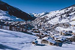 THEMENBILD - Blick auf den Wintersportort Hinterglemm, aufgenommen am 16. Januar 2021 in Saalbach Hinterglemm, Österreich // View of the winter sports village Hinterglemm, Saalbach Hinterglemm, Austria on 2021/01/16. EXPA Pictures © 2021, PhotoCredit: EXPA/ JFK