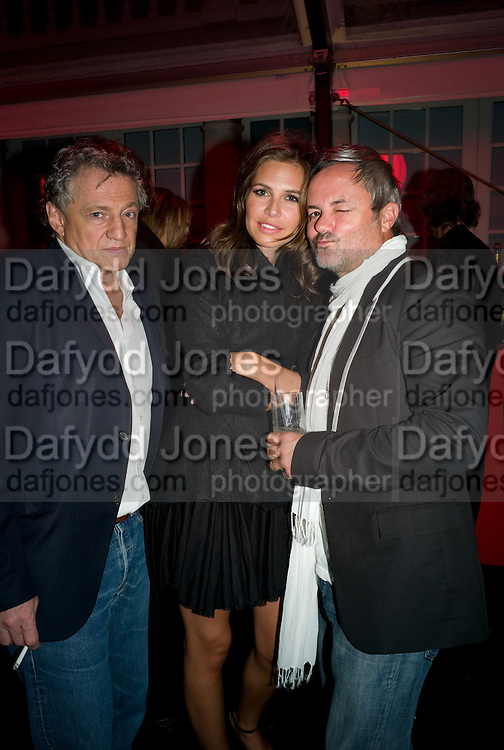 CARLOS ALMADA;  DASHA ZHUKOVA; NELLEE HOOPER, The Summer Party. Hosted by the Serpentine Gallery and CCC Moscow. Serpentine Gallery Pavilion designed by Frank Gehry. Kensington Gdns. London. 9 September 2008.  *** Local Caption *** -DO NOT ARCHIVE-© Copyright Photograph by Dafydd Jones. 248 Clapham Rd. London SW9 0PZ. Tel 0207 820 0771. www.dafjones.com.