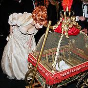 NLD/Amsterdam/20101209 - VIP avond Miljonairfair 2010, Marijke Helwegen en haar duiven