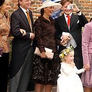 NLD/Naarden/20051022 - Huwelijk prins Floris en Aimee Söhngen, prinses Irene, prins Carlos, Anita van Eijk, prins Pieter Christiaan, bruidsmeisje Anne