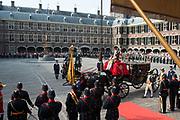 Prinsjesdag 2014 - Aankomst  Gouden Koets op het Binnenhof. /// Parlement Day 2014 - Arrivals Golden Carriage at the Binnenhof.