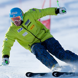20111014: AUT, Alpine Ski - Alpine skiers at Rettenbach, Soelden