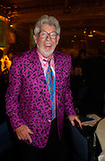 Sir Rolf Harris. 50th Ivor Novello Awards, Grosvenor House. London. 26 may 2005. ONE TIME USE ONLY - DO NOT ARCHIVE  © Copyright Photograph by Dafydd Jones 66 Stockwell Park Rd. London SW9 0DA Tel 020 7733 0108 www.dafjones.com