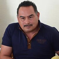 Toluca, México (Enero 02, 2017).- Aaron Gutiérrez, integrante del Frente Amplio de Organizaciones Sociales (FAOS) durante conferencia de prensa, donde hablaron de los detalles la muerte de su ex-dirigente Julio Palacios. Agencia MVT / Arturo Hernández.