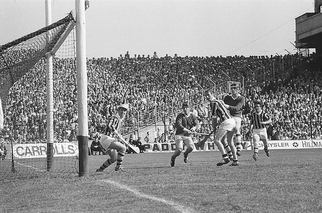 Kilkenny attempt to score during at the All Ireland Senior Hurling Final, Cork v Kilkenny in Croke Park on the 3rd September 1972. Kilkenny 3-24, Cork 5-11.