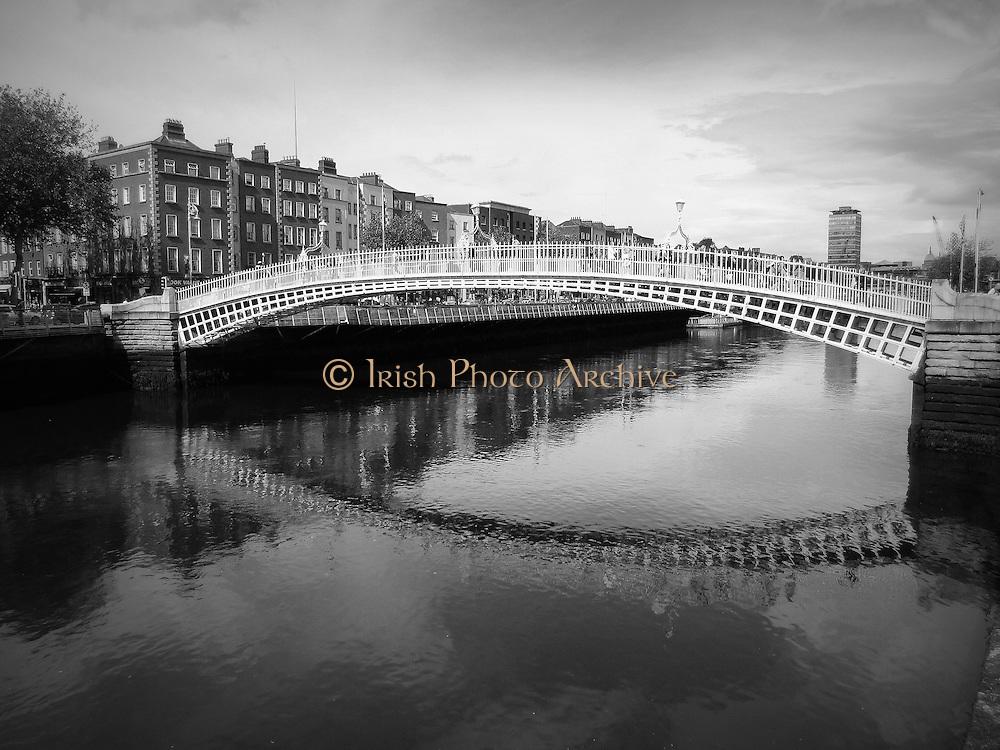 Halfpenny Bridge, Wellington Quay, Dublin, 1816, love locks are often placed on this bridge. temple bar, liffey street, river liffey