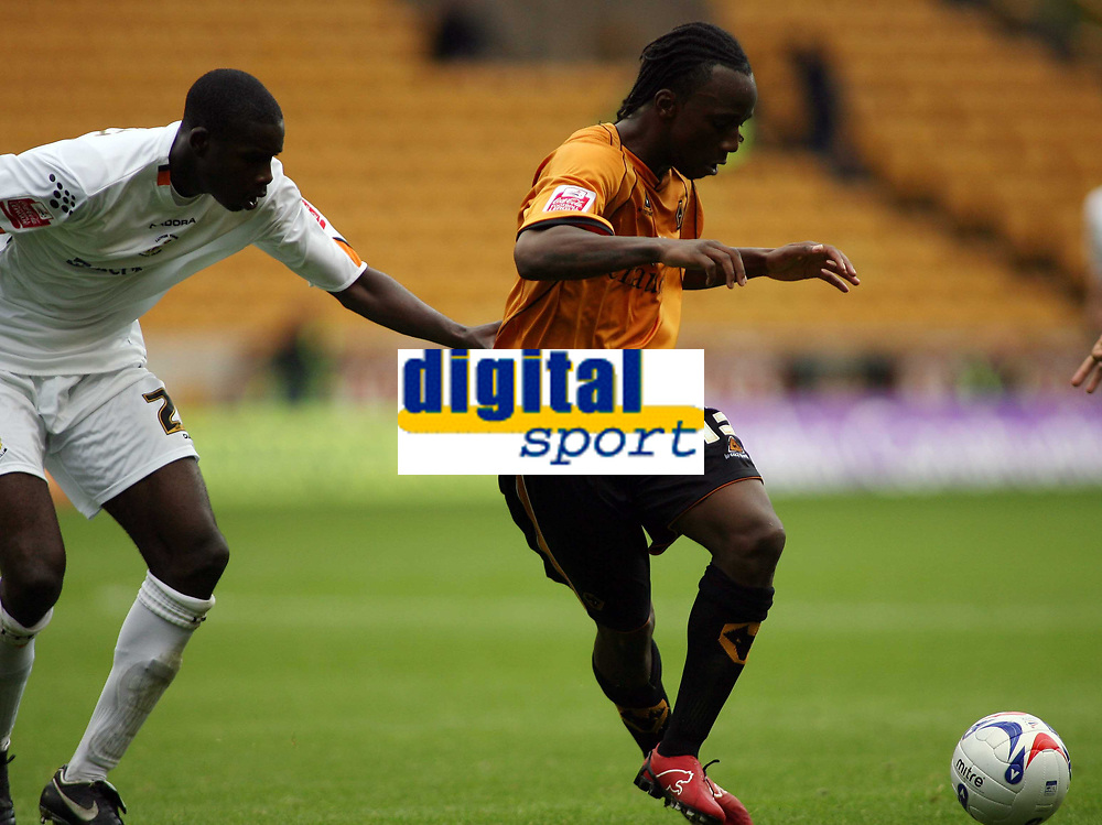 Photo: Rich Eaton.<br /> <br /> Wolverhampton Wanderers v Luton Town. Coca Cola Championship. 26/08/2006. Jemal Johnson of Wolves attacks the Luton defence