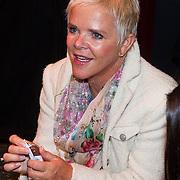 """NLD/Den Haag/20130907 -  Boekpresentatie """"Dierendorpje"""" van Kim-Lian van der Meij, Moeder Immy"""