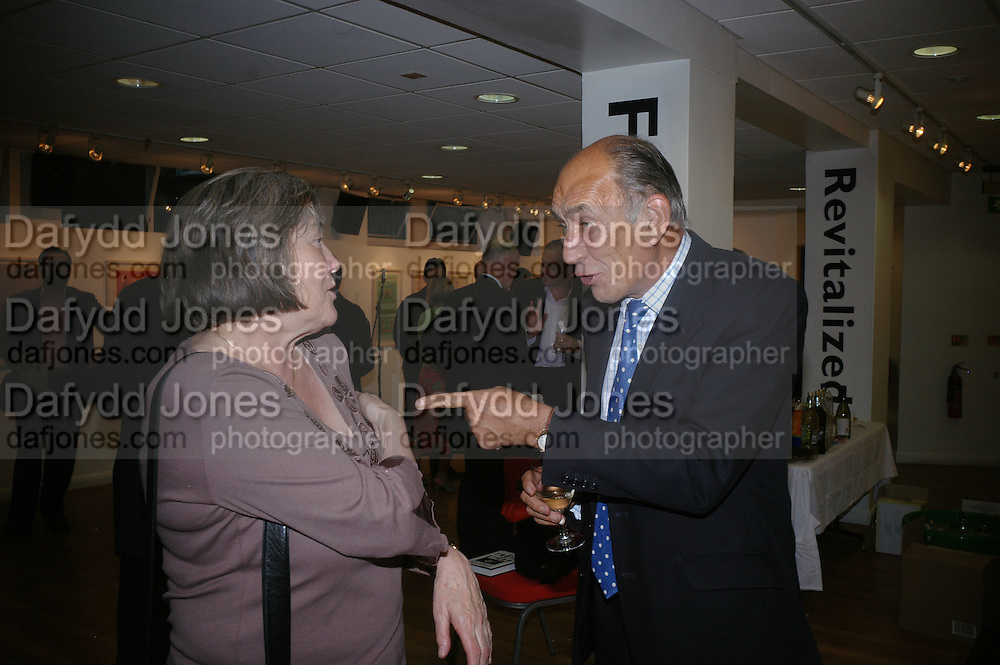 Clare Short and General Sir Michael Jackson. Launch of Martin Bell's ' The Truth That Sticks: New Labour's Breach Of Trust.' Foyles. London. 5 September 2007.  -DO NOT ARCHIVE-© Copyright Photograph by Dafydd Jones. 248 Clapham Rd. London SW9 0PZ. Tel 0207 820 0771. www.dafjones.com.