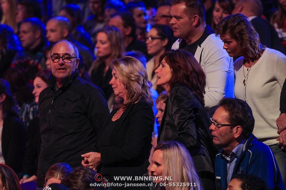 NLD/Hilversum/20130126 - 5e Liveshow Sterren Dansen op het IJs 2013, Ouders van Gaby Blaaser