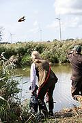 Modern Hunting Series - In Zusammenarbeit mit Jagdjournalistin Anna Lena Kaufmann<br /> <br /> Jägerin Anna Lena Kaufmann und Deutsch Kurzhaar Adsche bei der Solms Prüfung