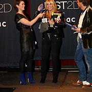 NLD/Amsterdam/20101013 -Tassenveiling Jurgen Hoskens voor Bagsac en Sandra Reemer Foundation, Kim Holland