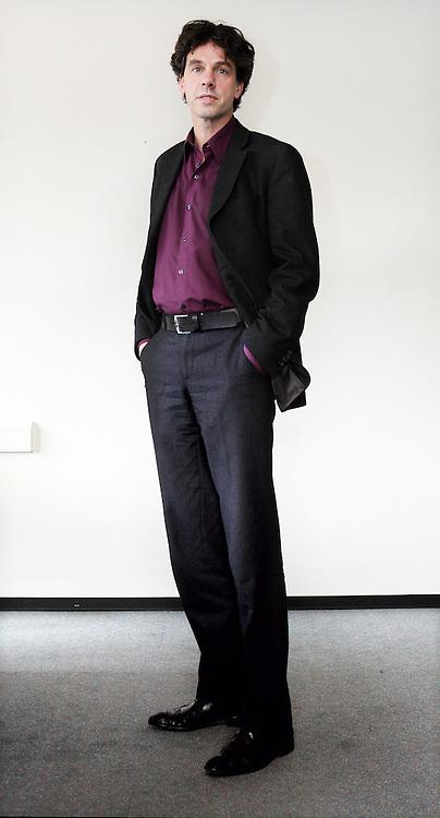 Nederland, Amsterdam , 7 maart 2013..Pieter Hilhorst is een Nederlands politicoloog en publicist. Sinds 28 november 2012 is hij wethouder van financiën, onderwijs en sport van Amsterdam, als opvolger voor Lodewijk Asscher die sinds 5 november 2012 minister van Sociale Zaken en Werkgelegenheid en vicepremier is in het kabinet-Rutte II. Als publicist schreef hij columns voor de Volkskrant en was programmamaker voor de VARA..Foto:Jean-Pierre Jans