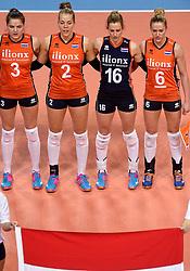 08-01-2016 TUR: European Olympic Qualification Tournament Nederland - Italie, Ankara<br /> De volleybaldames hebben op overtuigende wijze de finale van het olympisch kwalificatietoernooi in Ankara bereikt. Italië werd in de halve finales met 3-0 (25-23, 25-21, 25-19) aan de kant gezet / Yvon Belien #3, Femke Stoltenborg #2, Debby Stam-Pilon #16, Maret Balkestein-Grothues #6