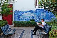 Portugal, Lisbonne, quartier de l'Alfama et le Tage, miradouro de Santa Luzia // Portugal, Lisbon, Alfama, miradouro Santa Luzia belvedere
