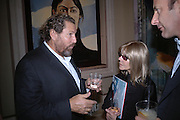 Julian Schnabel and Linda Sandler. Pintura del Siglo XXI - Julian Schnabel exhibition. ROBILANT + VOENA, Dover St. London. 19  October 2005. ONE TIME USE ONLY - DO NOT ARCHIVE © Copyright Photograph by Dafydd Jones 66 Stockwell Park Rd. London SW9 0DA Tel 020 7733 0108 www.dafjones.com