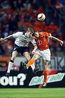 Fotball<br /> Treningskamp - Privatlandskamp<br /> 18.02.2004<br /> Nederland v USA<br /> Foto: Pro Shots/Digitalsport<br /> Norway Only<br /> <br /> johnny heitinga en brian mcbride