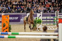 """RUEDER Hans-Thorben (GER), Cilley Rose<br /> Neumünster - VR Classics 2020<br /> Preis der SWN, Stadtwerke Neumünster<br /> CSI3* Internationale Zeitspringprüfung (1,45m)<br /> """"Springstar Ladies Cup""""<br /> 15. Februar 2020<br /> © www.sportfotos-lafrentz.de/Stefan Lafrentz"""