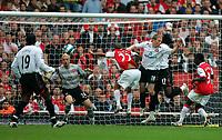 Photo: Tom Dulat.<br /> Arsenal v Sunderland. The FA Barclays Premiership. 07/10/2007.<br /> Kenwyne Jones(17) scored second goal for Sunderland, 2-2