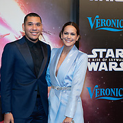 NLD/Amsterdam/20191218 - Premiere van Star Wars: The Rise of Skywalker, EliZe en partner Hedwiges Maduro