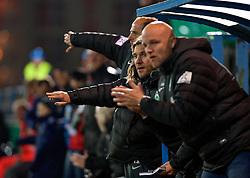 28.10.2014, Stadion an der Gellertstraße, Chemnitz, GER, DFB Pokal, Chemnitzer FC vs SV Werder Bremen, 2. Runde, im Bild die Bremer Trainerbank mit, von vorne, Rouven Schroeder / Schröder (Sportdirektor SV Werder Bremen), Torsten Frings (Co-Trainer SV Werder Bremen) und Viktor Skripnik (Cheftrainer SV Werder Bremen) // during German DFP Pokal 2nd round match between Chemnitzer FC and SV Werder Bremen at the Stadion an der Gellertstraße in Chemnitz, Germany on 2014/10/28. EXPA Pictures © 2014, PhotoCredit: EXPA/ Andreas Gumz<br /> <br /> *****ATTENTION - OUT of GER*****