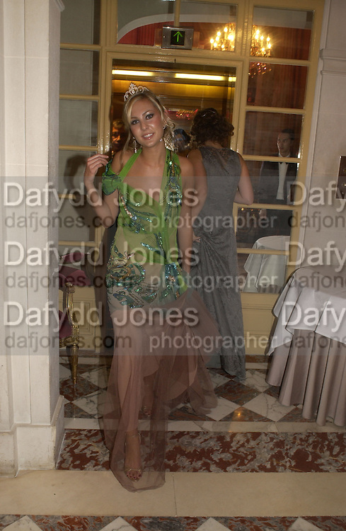 Molly Flattery . The 2005 Crillon Debutante Ball. Crillon Hotel, Paris. 26  November 2005. ONE TIME USE ONLY - DO NOT ARCHIVE  © Copyright Photograph by Dafydd Jones 66 Stockwell Park Rd. London SW9 0DA Tel 020 7733 0108 www.dafjones.com