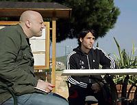 Fotball / Football<br /> Tyskland - Germany<br /> FC Köln training at La Manga - Spain<br /> 05-14.01.2007<br /> Foto: Morten Olsen, Digitalsport<br /> <br /> GERMANY OUT<br /> <br /> Christian Parth from Stern talking to Ricardo Cabanas of Köln