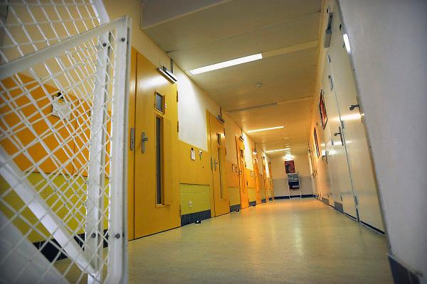 Nederland, Nijmegen, 29-7-2009Jeugdinrichting de Hunnerberg. een afdeling, gang, waar de  cellen,kamers op uitkomen.Foto: Flip Franssen/Hollandse Hoogte